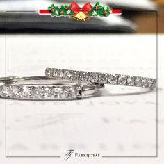 #ArgollasDeMatrimonio CON UN TOQUE DIFERENTE, que incluyen gemas preciosas o diamantes engastados, lo que le confieren un toque mucho más elegante y original.  #AnillosDeCompromiso #ArgollasDeMatrimonioCali #JoyeriaNoviasCal