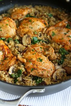 One-Pot Chicken, Quinoa, Mushrooms & Spinach...Healthy dinner, quick clean-up!  256 calories and 6 Weight Watchers PP | cookincanuck.com #recipe | by CookinCanuck