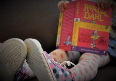 Túto recenziu som chcela stihnúť k MDŽ, ale nakoniec ani Matilda v kalendári nie je zlá príležitosť :). Prečítajte si, prečo túto knihu polovica ľudí miluje a druhá preklína. Roald Dahl, Matilda, Blog, Blogging