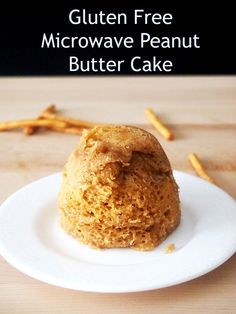 Flourless Peanut Butter Mug Cake - Ready in less than 5 minutes! Foods With Gluten, Sans Gluten, Gluten Free, Dairy Free, Baking Recipes, Snack Recipes, Dessert Recipes, Free Recipes, Dessert Ideas