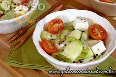 Já sabe o que fazer para o #almoço, não?! A dica é esta #Salada de Abobrinha Crua. Ela é deliciosa, muito prática, fácil e super saudável!  #Receita aqui: http://www.gulosoesaudavel.com.br/2013/11/27/salada-abobrinha-crua/