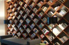Trendy home library ideas design bookshelves Creative Bookshelves, Modern Bookshelf, Wall Bookshelves, Bookshelf Design, Built In Bookcase, Book Shelves, Bookshelf Ideas, Bookcases, Book Storage