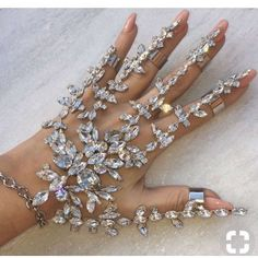 Ring and bracelet set in crystals for the bride. Fun and sexy bridal jewelry. Hand Jewelry, Cute Jewelry, Body Jewelry, Wedding Jewelry, Jewelry Gifts, Jewelry Box, Jewelry Accessories, Jewelry Design, Unique Jewelry