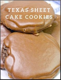 #delicious #desserts #cookies #snacks Chocolate Cake Mix Cookies, Chocolate Icing, Fun Cookies, Cake Cookies, Cookies Ingredients, Special Recipes, Cookie Recipes, Delicious Desserts, Cookies