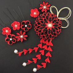 赤×黒♡大菊の髪飾り♡成人式♡卒業式♡結婚式♡つまみ細工♡ちりめん