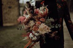 Un mariage en petit comité au Domaine des Hayes près de Rennes - la mariee aux pieds nus Marie, Bridal, Painting, Perfect Bride, Simple Weddings, Civil Wedding, Barefoot, Rennes, Photography