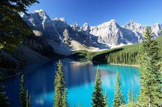 Moraine Lake in Alberta, Canada.. Amazing.
