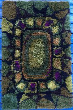Swedish rya rug #rug #rya Rya Rug, Wool Rug, Rug Hooking Patterns, Textile Patterns, Textiles, Latch Hook Rugs, Weaving Projects, Rug Store, Penny Rugs