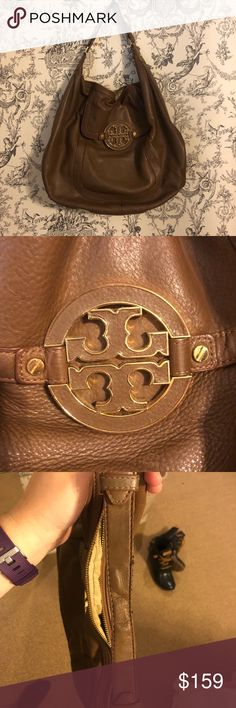 Tory Burch bag One strap Tory Burch shoulder bag. Size of a small tote bag and a little bigger than a handbag. Has a lot of space on the inside Tory Burch Bags
