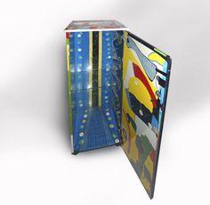Kommode, Hochglanzlack, Einzelstück 140 x 42 x 44 cm Small Furniture, Office Supplies, Vase, Textile Design, Sparkle, Dresser, Vases, Jars