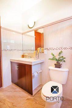 """Proyecto """"Quinta Hunucmá"""": Baños de estilo Colonial por PORTO Arquitectura + Diseño de Interiores"""