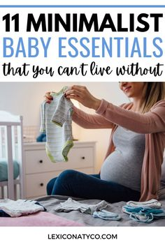 This is a must read if you are in your second trimester of pregnancy or third trimester of pregnancy! There are sooo many items that companies market as baby registry must haves but what do you… Baby First Aid Kit, Baby Kit, Best Baby Bath Products, Baby New Year, Baby Name Generator, Newborn Schedule, Minimalist Baby, Baby Name Signs, Expecting Baby