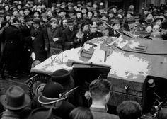 Pražané přivítali příchod do města německými vojsky