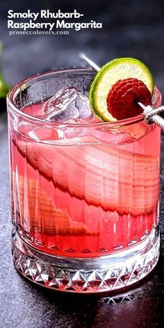 Craft Cocktails, Summer Cocktails, Cocktail Drinks, Cocktail Recipes, Alcoholic Drinks, Vegan Kitchen, Kitchen Recipes, Raspberry Margarita, Smoothie Recipes