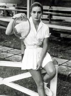 """""""EXERCISE SHOULD BE REGARDED AS A TRIBUTE TO THE HEART."""" -GENE  Carolina Herrera (pictured)"""