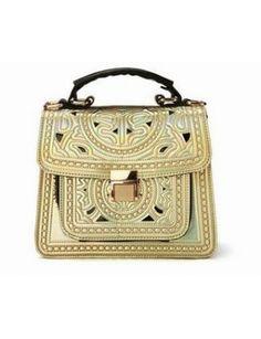 JAYAPRADA Push Lock Bag Gold| #jessicabuurman #wishlist