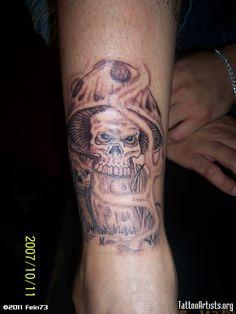 Trippy Mushroom Tattoos Mushroom tattoo on ankle Skeleton Tattoos, Skull Tattoos, Skull Tattoo Design, Tattoo Designs, Trippy Mushrooms, Mushroom Cloud, Mushroom Tattoos, Tattoo Simple, Ankle Tattoo
