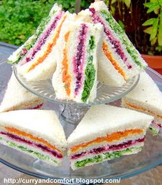 Ribbon High Tea Sandwiches: Carrots Beets Lettuce Butter or Mayo Bread Butter each slice of bread and put a layer of the the vegetables. Note: You will actually use 4 slices of bread for each sandwich. Tea Party Sandwiches, Finger Sandwiches, Sandwich Cake, Deli Sandwiches, Light Sandwiches, Cucumber Tea Sandwiches, Breakfast Sandwiches, Tea Recipes, Cooking Recipes