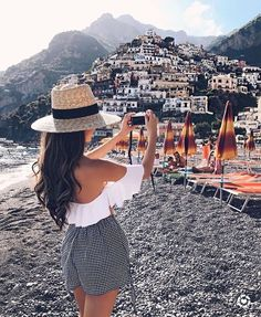 Positano, Italy Travel Guide outfit: Free People maxi dress For the next couple of weeks I'll be sharing Travel Guides to some of the cities we went to in Italy. Europe Travel Outfits, Travel Outfit Summer, Europe Outfits Summer, Summer Outfits For Vacation, Travelling Outfits, Summer Holiday Outfits, Traveling, Holiday Style, Cute Travel Outfits