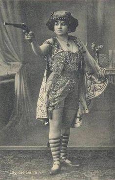 Carnival Performer, Elly del Sarto  c. 1910  Source: maudelynn  vintage carnival Elly del Sarto 1910s