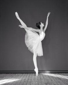 Liza Chertikhina Лиза Чертихина, The Bolshoi Ballet Academy American Ballet Theatre, Ballet Theater, Dance Photography Poses, Dance Poses, Ballet Art, Ballet Dancers, Bolshoi Ballet, Ballerinas, Dance Movement