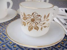 3 x Vintage French Arcopal espresso cups with saucers, gold flower pattern, 1970s, opaque glass, milk glass, opal glass, retro, demi-tasses