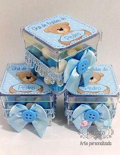 Caixinha de acr´lico personalizada e decorada para chá de bebê ou chá de fraldas.