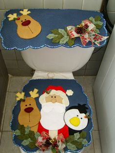 Oh my, the boys would kill me. Christmas Applique, Christmas Sewing, Noel Christmas, Christmas Projects, All Things Christmas, Xmas, Felt Christmas Decorations, Christmas Ornaments, Navidad Diy