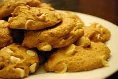white chocolate macadamia nut cookies - 2 points 90 calories a cookie