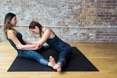 Partner Stretches, Partner Yoga Poses, Stay In Shape, Stay Fit, How To Stay Healthy, Content, Fitness, Keep Fit