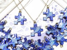 Puzzle pieces with resin