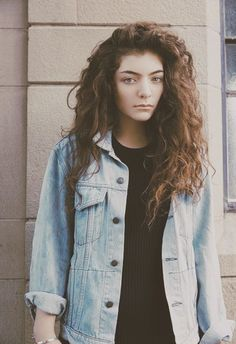 Lorde. I still don't understand how she can make curly hair look that gorgeous!