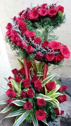 Send flowers to a loved one in Indore today! Shop our florist delivered flowers perfect for every occasion. Funeral Flower Arrangements, Beautiful Flower Arrangements, Funeral Flowers, Beautiful Flowers Wallpapers, Beautiful Rose Flowers, Amazing Flowers, Nice Flower, Fresh Flowers, Luxury Flowers