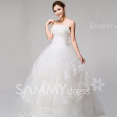 Charming Strapless Beading Tiny Flower and Tiered Design Women's Lace Hem Wedding Dress