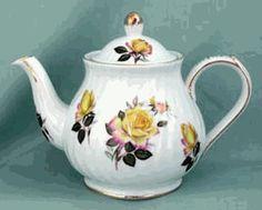 Yellow Rose 6 Cup Teapot