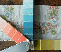 A website with vintage color schemes... now to decide- modern or vintage? modern or vintage? ugggggggh! ???