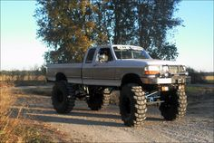 had one of them, wasnt lifted tho..., gotta love ford!