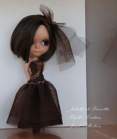 Blythe's brown long dress for tonigh by juliettaexussetta on Etsy, €25.00