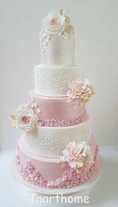 Pearl Sugar Art Cakes Cake Specialty Birthday Flower Flowers Pink White Bakeries