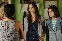 Pin for Later: The Killer Outfits on Pretty Little Liars Will Haunt You All Week Long Season 6 The key to amping up your basics? It's all in the accessories.