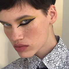makeup artistico – Hair and beauty tips, tricks and tutorials Make Up Looks, Beauty Make-up, Male Beauty, Male Makeup, Makeup Art, Makeup Inspo, Makeup Inspiration, Futuristic Makeup, Celebrity Makeup Looks