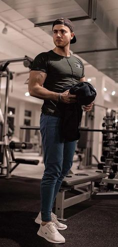4c47ce4cf5867 13 Hot Gym Outfits Ideas For Men To Copy In 2019 Gym Outfit Men