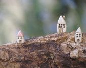 cute idea if you want to build a fairyland in your yard.