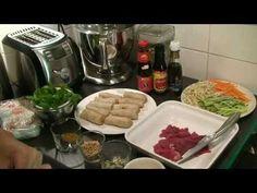 Spécialité vietnamienne à ma façon, fraîche et nourrissante, le bo bun est composé de vermicelles de riz, de nems, de bœuf et de légumes croquants… le tout accompagné d'herbes aromatiques comme la menthe fraîche et la coriandre.