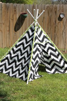 Child's TeePee Play Tent with Flags