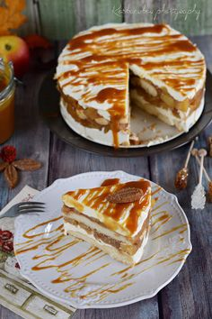 Koskacukor: Almás sütés nélküli joghurttorta karamellel Apple Desserts, Fall Desserts, Cookie Desserts, No Bake Desserts, Cupcake Recipes, Dessert Recipes, Hungarian Recipes, No Bake Cake, My Favorite Food