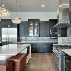 Hard Wood In Grey~Style Kitchen Design Photo by Grace R ( Happy Sunday! Dark cabinetry with a white kitchen island is perfection 👌… . By Interior by Kitchen Design Open, Luxury Kitchen Design, Luxury Kitchens, Interior Design Living Room, Home Kitchens, Gray Kitchens, Kitchen Layout, Kitchen Colors, Kitchen Ideas
