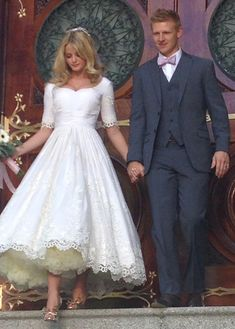 At Mialondon, you will find the best Wedding Dresses that will best meet your expectation to have an unforgettable day! Short Sleeve Lace A-line Tea Length Wedding Dress with high quality at affordable prices. White Wedding Dresses, Cheap Wedding Dress, Bridal Dresses, Wedding Gowns, Ankle Length Wedding Dress, Half Sleeve Wedding Dress, Lace Wedding, Wedding Venues, Vintage Bridal