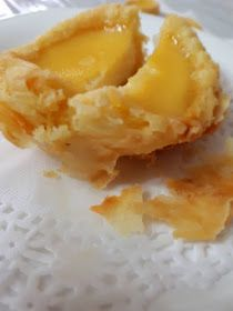 (Complete Recipe) Flaky Egg Tarts | Daily Homecook Meal Flaky Egg Tart Recipe, Tart Crust Recipe, Tart Recipes, Baking Recipes, Dessert Recipes, Baking Ideas, Cookie Recipes, Chinese Egg Tart, Cream Filling Recipe