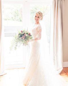 Real Huw Rees Bride: Augusta Jones Jo looking so fresh.... what a beautiful bride!